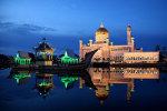 Sultan Omar Ali Saifuddin Mosque   <a href=